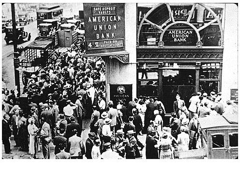 bank runs during the great depression What percent of bank of america's deposits are insured by the fdic the fdic was created during the great depression after thousands of banks failed people line up outside a bank in the midst of a bank run during the great depression image source.